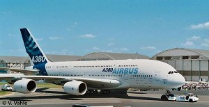 Revell 04218 Airbus A380 First Livery